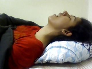 Indian girl having orgasm. Nice expression. (Non nude)
