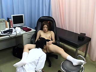 Hospital milf fucked by doctor in excess of fusty cam