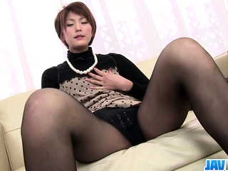 Saori Busy With Her Vibrator - More at javhd.net