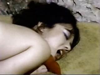 Mei Lin - maid fucks guest (240p) (vintage)