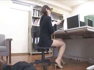 office descendant lets him look-byrequest